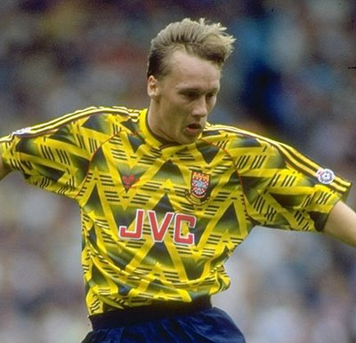 Lee Dixon.. looking good in this '91 classic